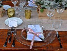 Credit: Catorfotografie - tabel (meubels), wijn, hout, glas, drank, kaars, glas (container), mes, eten, ornament, couvert, viering, binnenshuis, eet- en drinkgerei, stilleven, restaurant, houten, alcoholische drank, dining, binnen