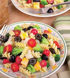 The easiest homemade pasta salad recipe! This recipe is a basic pasta salad recipe. Surely you can add some diced ham, mushrooms, mozzarella cheese, parmesan, and salami to make it extra special. Save this pin for later! Easy Pasta Salad Recipe, Easy Salad Recipes, Vegetarian Recipes Easy, Cooking Recipes, Healthy Recipes, Kid Cooking, Healthy Lunches, Eating Healthy, Healthy Foods