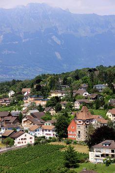 Vaduz, Liechtenstein. Otro hermoso rincón del mundo. Que felicidad conocer lugares  así.