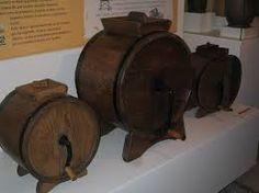 MUSEO DE LA LECHERIA MORCIN,mazadoras,para estraer la mantequilla,de la leche