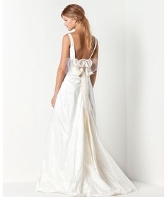 Max Mara Bridals Dress (behind)
