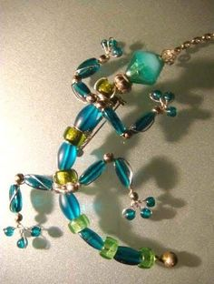 Insect Jewelry, Wire Jewelry, Jewelry Crafts, Jewelery, Beaded Crafts, Beaded Ornaments, Beaded Dragonfly, Beaded Spiders, Beaded Jewelry Patterns