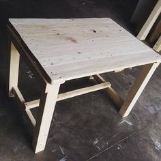 beautiful giant sized pallet table