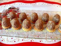 Vosí hnízda (včelí úlky) Cookie Desserts, Waffles, Muffin, Cookies, Breakfast, Food, Biscuits, Crack Crackers, Muffins