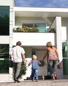 Şehirlerarası evden eve taşımacılık firmamızın uzman olduğu bir taşımacılık türüdür. Firmamızın Türkiye'de evden eve taşımacılık yapmadığı il kalmamıştır.Birçok şehrin hemen hemen her ilçesine dahi Gaziantep'den evden eve taşımacılık yaptık. http://www.edaevdeneve.com