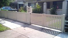 Fence Design Ideas - Photos of Fences. Browse Photos from Australian Designers & Trade Professionals, Create an Inspiration Board to save your favourite images. Front Yard Design, Fence Design, Timber Fencing, Fence Styles, Front Fence, Fence Landscaping, Garden Photos, Fence Ideas, Yard Ideas