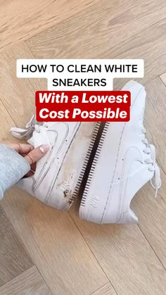 Amazing Life Hacks, Simple Life Hacks, Useful Life Hacks, Household Cleaning Tips, House Cleaning Tips, Diy Cleaning Products, How To Clean White Shoes, Clean Shoes, Diy Fashion Hacks
