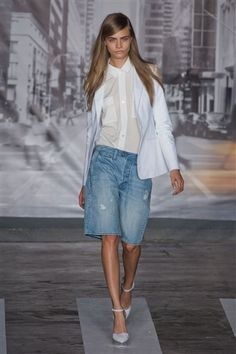 Jean Bermuda shorts - a fashion trend for spring and here's the way to wear them!