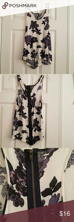 Silence+Noise Floral Top Purple/white/black floral sleeveless top with full zipper on back. Pretty under cardigans or alone! Light wear shown in last photo. silence + noise Tops
