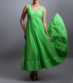 This is a green anarkali kurta crafted with georgette. Ethnic Fashion, Indian Fashion, Womens Fashion, Viera, Pakistani Dresses, Anarkali, Indian Outfits, Pretty Outfits, Fashion Brands