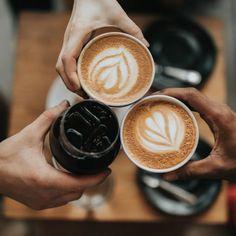 Uai Blog Barista Cafe, Coffee Barista, Coffee Type, Coffee Is Life, Coffee Drinks, Coffee Shops, Coffee Blog, Coffee Lovers, Coffee Mugs