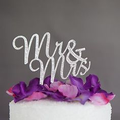 Get the Best for the Big Moment: This gorgeous silver cake topper will be the perfect addition to your wedding or anniversary cake! Celebrate becoming Mr. and Mrs. by adding just the right amount of s