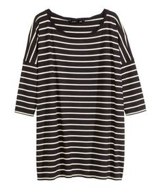 Discover the latest women's fashion trends at H&M. Shop women's clothing and accessories and get inspired by the latest fashion trends. Fashion Games, Stylish Dresses, Shirt Jacket, Capsule Wardrobe, Fashion Online, Girl Fashion, Clothes For Women, My Style, Oversized Tops