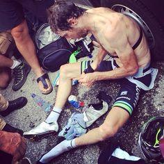 Le Tour de France @letour Fin d'étape compliquée pour @laurenstendam / Tough finish for @laurenstendam #TDF pic.twitter.com/j3K6tcFqgw