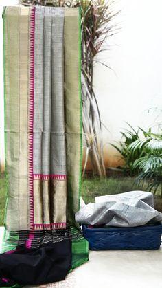 Lakshmi Handwoven Banarasi Silk Sari 000500 - Sari / All Saris - Parisera