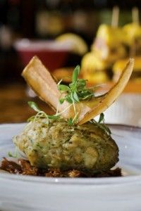 Caribbean Side Dish - Mofongo with plantains Recipe. Mofongo is a signature dish of Puerto Rico which is very similar to a Cuban dish called fufu de platano, and a Domincan dish called Mangu. #recipes #mofongo