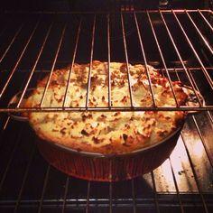 How to cook gordon ramsay's amazing english shepherd pie - B+C Guides Picknick Snacks, Meat Recipes, Cooking Recipes, Lunch Recipes, Cooking Tips, Recipies, Cooking Lamb, Cooking Steak, Cooking Bacon