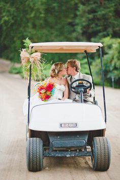 8 Golf-Inspired Details for a Hole-in-One Wedding | Photo by: Samuel Potter Photography | TheKnot.com