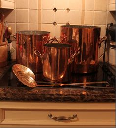 Choosing Pots And Pans For Your Kitchen Copper Pots, Copper Kitchen, Copper And Brass, Kitchenware, Tableware, Kitchen Pantry, Rustic Charm, Kitchen Accessories, Kitchen Gadgets