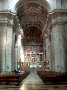 Category:Interior of the Basilica of San Lorenzo de El Escorial Escorial Madrid, Saint Quentin, Housing Works, Le Palais, Medieval Castle, Beautiful Architecture, Barcelona Spain, Capital City, Disney Art