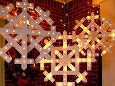 Let the world know you're merry and bright with how-to projects and clever ideas for filling up your front yard with holiday cheer.