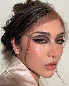 Cute Makeup Looks, Makeup Eye Looks, Creative Makeup Looks, Eye Makeup Art, Pretty Makeup, Skin Makeup, Beauty Makeup, Makeup Eyeshadow, Edgy Makeup