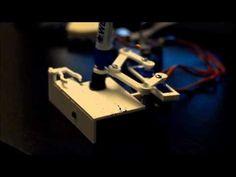 Clock + Plotter = The PlotClock [Video] Read more at http://www.geeksaresexy.net/#PZYhO3QyqayTjtHV.99