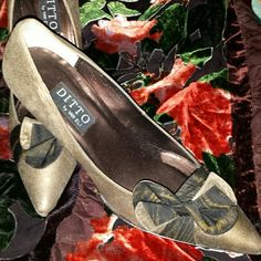 Ditto by Van Eli Pumps 3 inch heels Bronze and Black bow in front, pointed toe pump Vaneli Shoes Heels