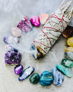Making a crystal and stones grid is so fun yet relaxing you can't help but appreciate the good vibes you get. #crystals