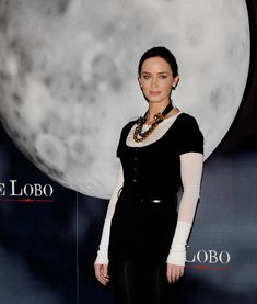 Emily Blunt Photos - Photocall for 'El Hombre Lobo' ('The Wolfman') at the Santo Mauro Hotel. - Emily Blunt Photos - 5906 of 6669