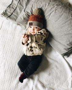 Cute baby boy hat Source by boy outfits Cute Baby Boy, Baby Boy Hats, New Baby Boys, Baby Boy Newborn, Cute Baby Clothes, Cute Kids, Cute Babies, Baby Boy Style, Baby Baby