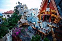 There's weird architecture, and then there's the Crazy House: a guesthouse that takes fantasy design to a whole new level, located in Dalat, Vietnam. One of the most bizarre buildings in the world, it rivals Gaudi's modern masterpieces in Barcelona and Salvador Dali's surrealist paintings in terms of outlandish imagination.