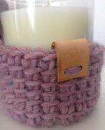 Bedankt allemaal voor jullie leuke reacties op mijn haakpotjes! Op verzoek volgt hier een tutorial. Hij is heel makkelijk, dus zonder stap-voor-stap-foto's, maar dat lukt jullie vast! ;) Jasj… Tunisian Crochet, Diy Crochet, Crochet Hooks, Yarn Bowl, Basket Bag, Crochet Fashion, Yarn Crafts, Crochet Clothes, Merino Wool Blanket