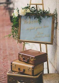 10 idées déco pour un mariage thème voyage - Clem Around The Corner - panneau pancarte accueil le Different Wedding Ideas, Cute Wedding Ideas, Trendy Wedding, Unique Weddings, Perfect Wedding, Wedding Vintage, Wedding Tips, Retro Weddings, Ranch Weddings