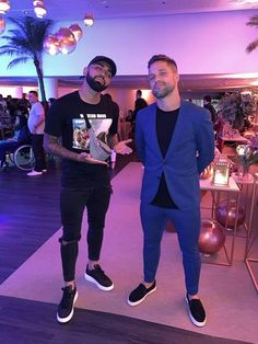 Neymar, Jogging, Character Shoes, Dance Shoes, Wallpapers, Sneakers, Style, Sports Activities, Walking