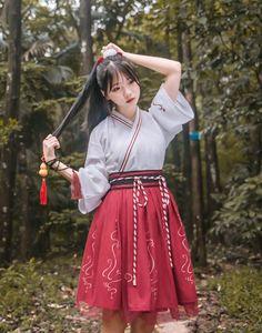Pin on 漢服 Traditional Fashion, Traditional Dresses, Kawaii Fashion, Lolita Fashion, Anime Outfits, Fashion Outfits, Lolita Cosplay, Chinese Clothing, Oriental Fashion