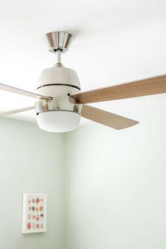 Retro Revival: Mid-Century Inspired @lampsplus Ceiling Fan   dreamgreendiy.com