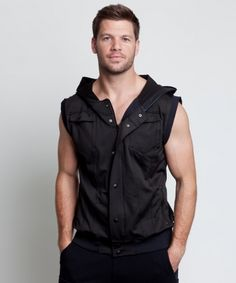 "Stanton Signature Vest Black - 78 USD - This is the ultimate go-to piece of our hoodie collection. A perfect layering piece to build the rest of your wardrobe around. Wear alone, over a long sleeve tee, or under a blazer to add that extra edge. ""Mirrored"" pockets, with exterior and interior pockets, for all your storage needs on the go. Serious style and performance fabric at it's best."