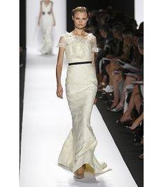 Image from http://www.bayareabags.com/wp-content/uploads/2009/07/wedding-gown-carolina-herrera1.jpg.