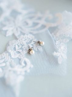 Styling Bridal Details  Tips for styling wedding day details Tips for styling bridal details Wedding veil Heirlooms