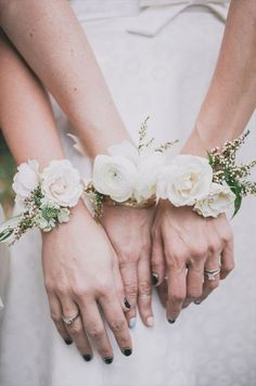 bridesmaid corsage instead of bouquet//