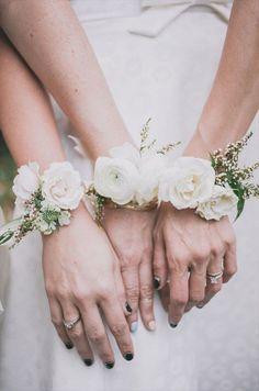 Bridesmaid corsage i