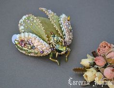 Bead Embroidery Jewelry, Beaded Embroidery, Beaded Jewelry, Brooches Handmade, Handmade Beads, Handmade Jewelry, Fabric Flower Brooch, Bug Crafts, Insect Jewelry
