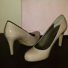 Bandolino nude heels 4 inch heels by Bandolino. Condition is new, never worn out. Bandolino Shoes Heels