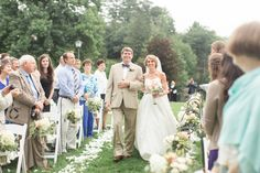 Photography: Jillian Michelle Photography - www.jillianmichellephoto.com  Read More: http://www.stylemepretty.com/2014/11/25/southern-chic-mountainside-wedding/