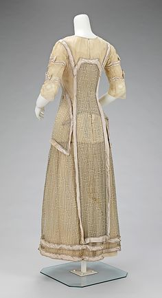 Dress, Afternoon, back view.  House of Paquin (French, 1891–1956).  Designer: Mme. Jeanne Paquin (French, 1869–1936).  Date: 1909.  Culture: French.  Medium: silk.  Dimensions: Length at CB: 50 in. (127 cm).