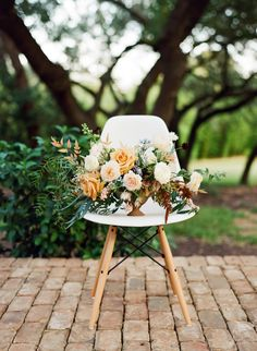 Wedding Bouquets : Picture Description Um, you have to see this wedding inspiration with painterly splashes and colorblocking in earth tones! The color palette alone is gorgeous, now imagine layering patterns on top of it — Boho Wedding Bouquet, Wedding Shoot, Floral Wedding, Wedding Colors, Wedding Flower Arrangements, Floral Centerpieces, Floral Arrangements, Wedding Ceremony Seating, Outdoor Wedding Reception