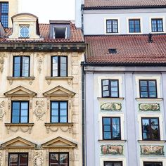 Another elaborate building facade in #Warsaw's gorgeous old town. Have you been to #Poland?