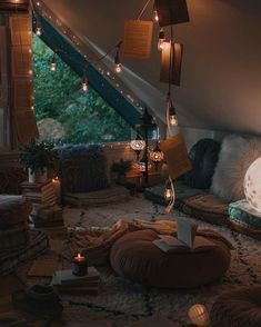 Bohemian Latest And Stylish Home decor Design And Life Style Ideas - Bohemian Home Style Room Ideas Bedroom, Bedroom Decor, Warm Bedroom, Cute Room Decor, Stylish Home Decor, Aesthetic Room Decor, Cozy Aesthetic, Cozy Room, Dream Rooms