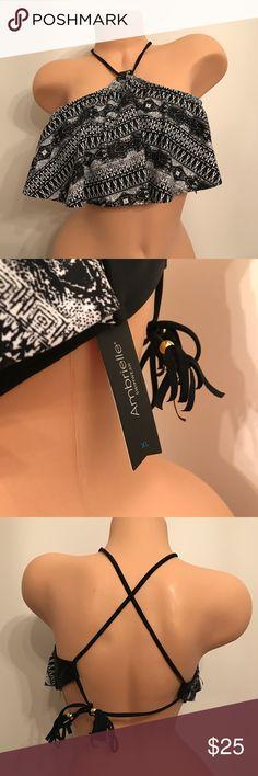 AMBRIELLE BLACK AND WHITE FLOUNCE BIKINI TOP XL Ambrielle Bikini Top Size XL NWT Tassels on ends of ties Ambrielle Swim Bikinis